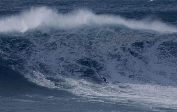 "Interview: ""Pepe"" Gómez, the Uruguayan big wave surfer who rubs shoulders with surfing legends – MercoPress"