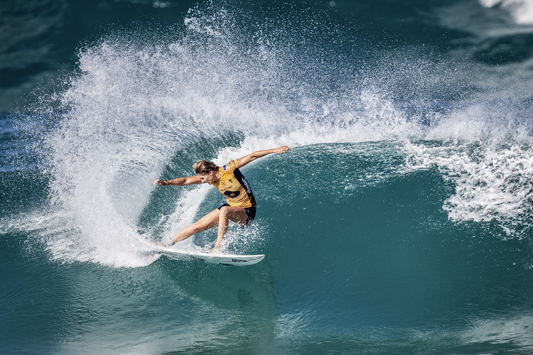 Stephanie Gilmore: a power surfer with excellent wave reading skills   Photo: WSL