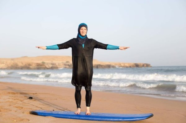 """This """"Seasuit"""" Aims to Offer Muslim Women More Access to Surfing – Surfer Magazine"""