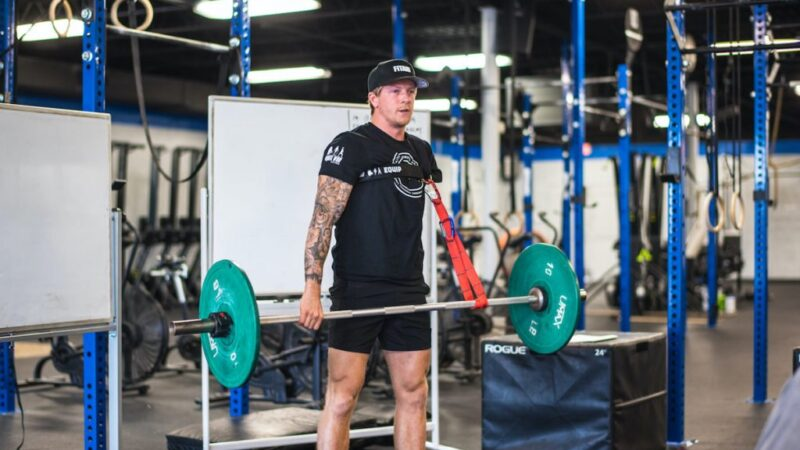Logan Aldridge: Well Armed with One-Arm in Fitness, Sports, and CrossFit – BarBend