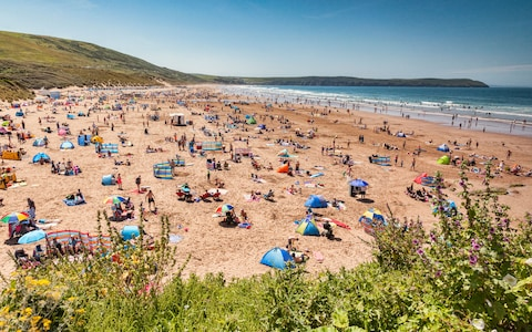 A postcard from Woolacombe, where the beach is less busy than officials suggest – Telegraph.co.uk