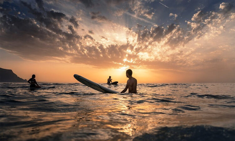 An introduction to longboard surfing (in the Mediterranean Sea) – SurferToday