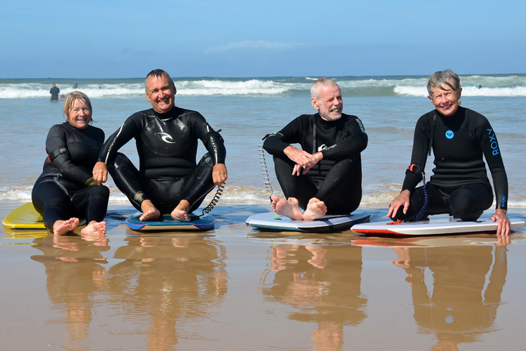 The Board Stiffs: these retirees feel in love with bodyboarding | Photo: Board Stiffs