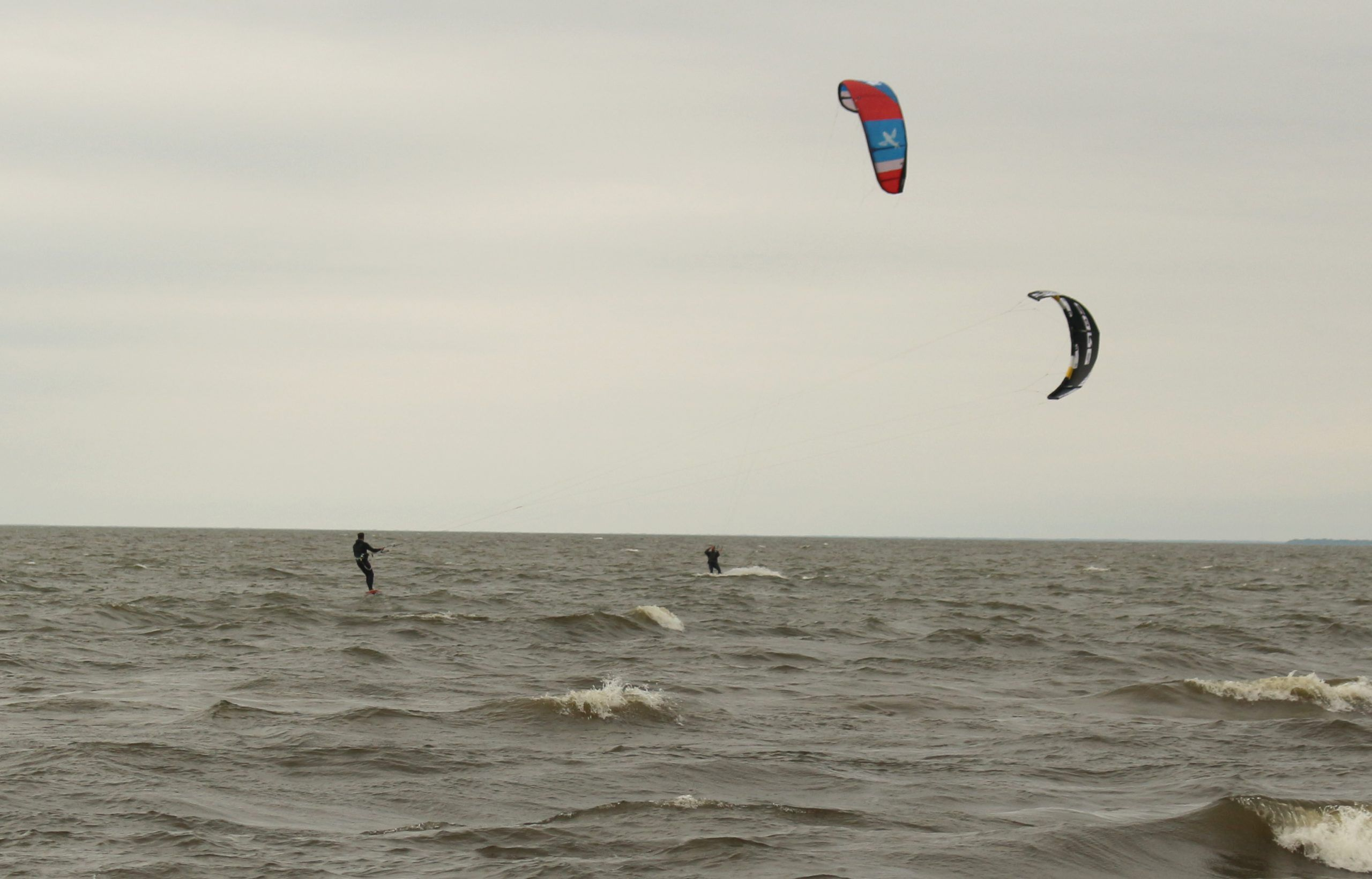 Kite boarders take last kick at the waves – Woodstock Sentinel Review