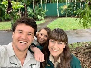 Bindi Irwin, Terri Irwin posing for the camera: Cute: Also featured in the 22-year-old's photo was her Cavalier King Charles Spaniel puppy Piggy