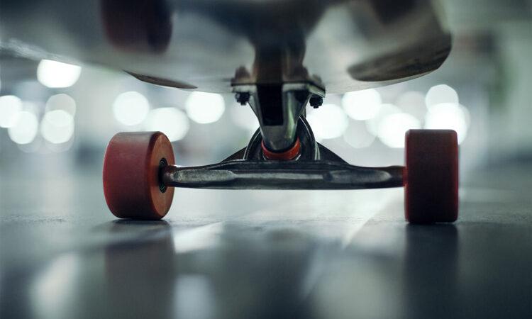 How to change skateboard wheels and bearings – SurferToday